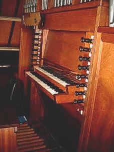 De klaviatuur van het orgel